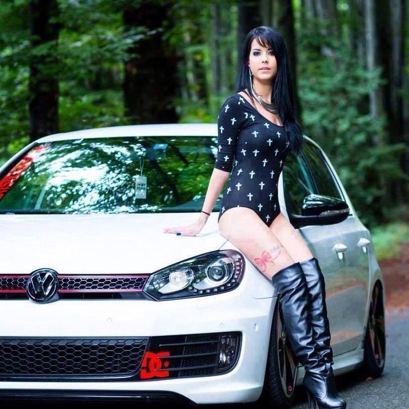 Volkswagen et ses donzelles ... - Page 37 13484114245776014826298876291382406334n