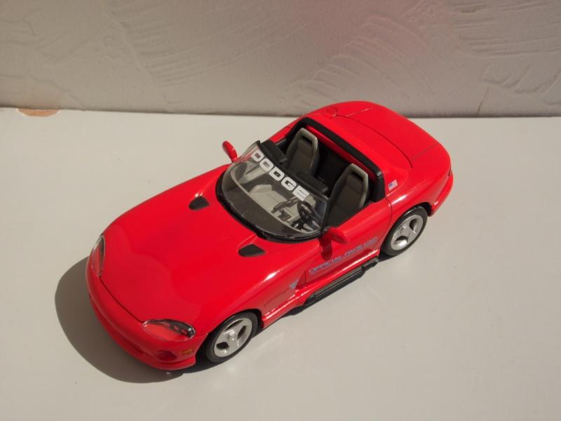 Dodge Viper RT10 et GTS. 144648SAM5017