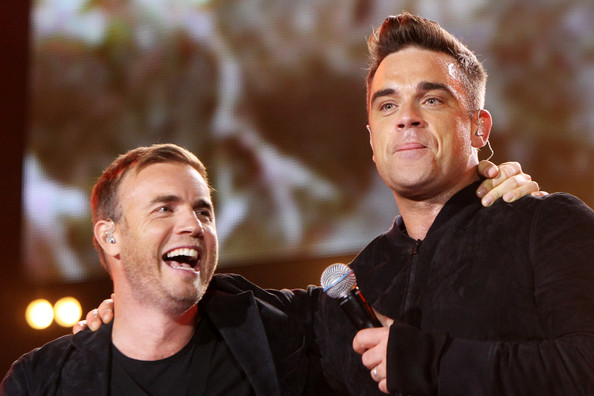 Robbie et Gary au concert Heroes 12-09/2010 144691Gary_Barlow_Heroes_Concert_Show_04iQp0_2nGrl