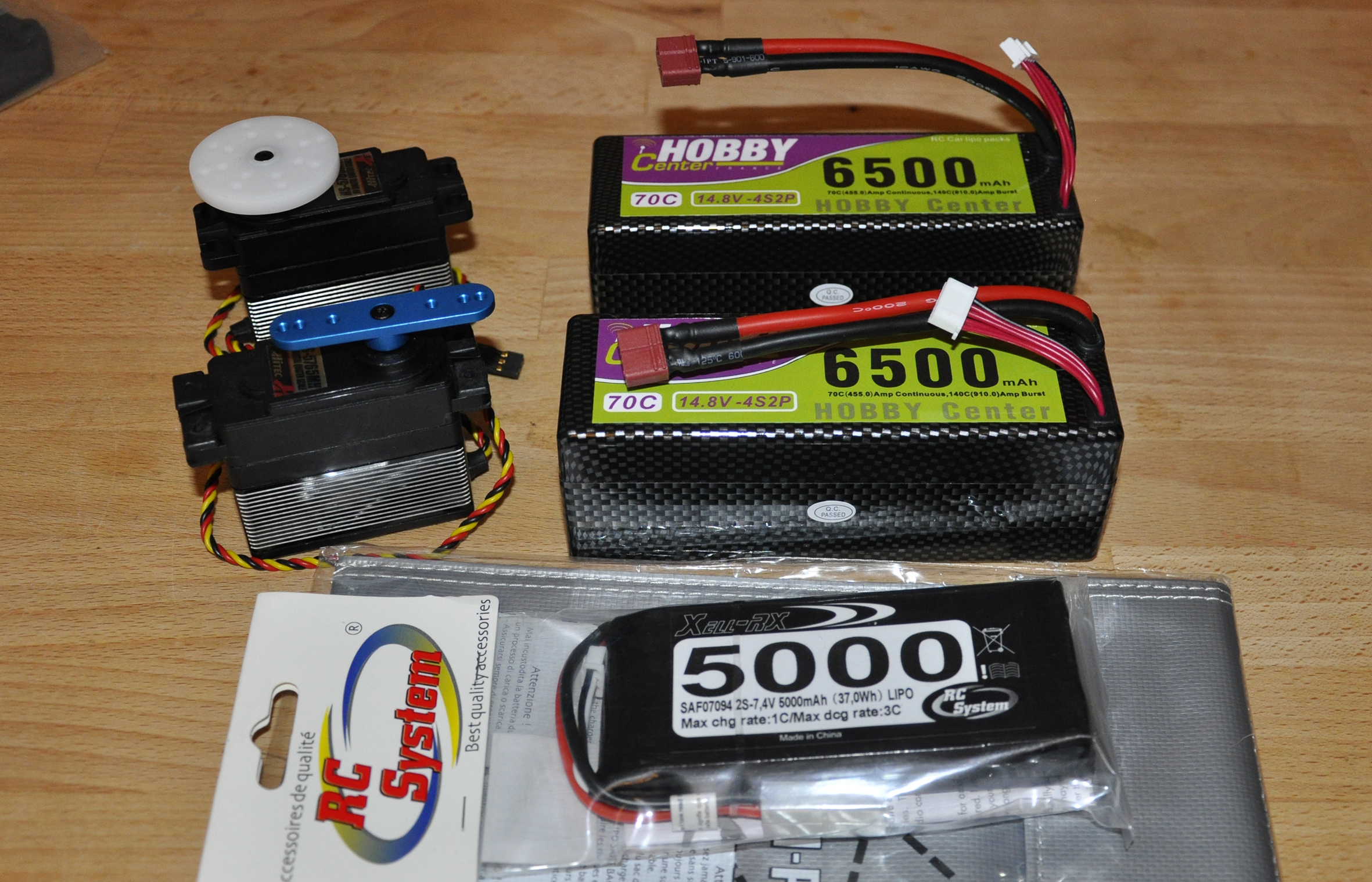 Projet LOSI 5ive Brushless 145701Batteries