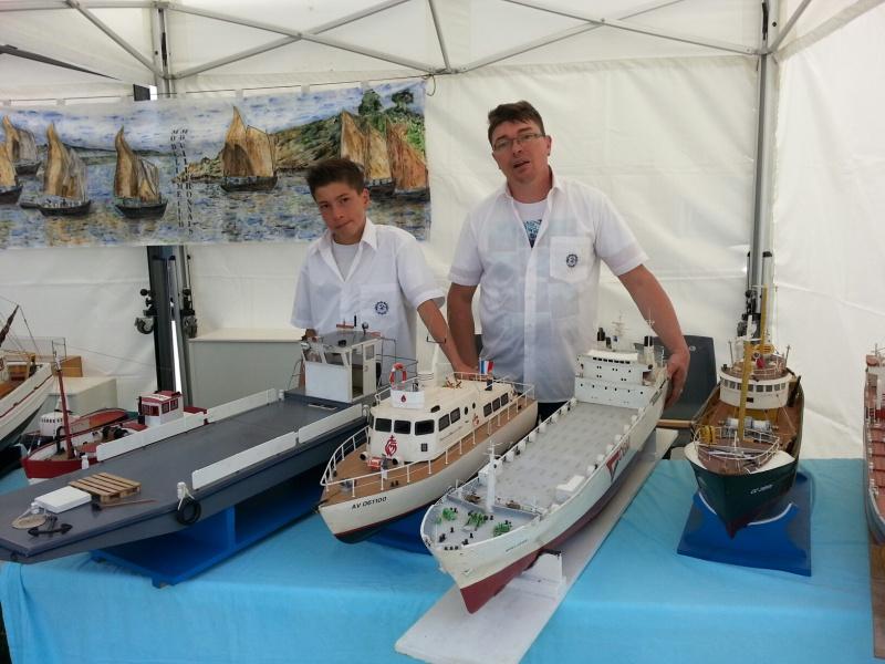 démo de maquettes navigantes sur la place Napoléon à la Roche S/Yon le 31 Mai et le 1er Juin 15152920140531134036resized