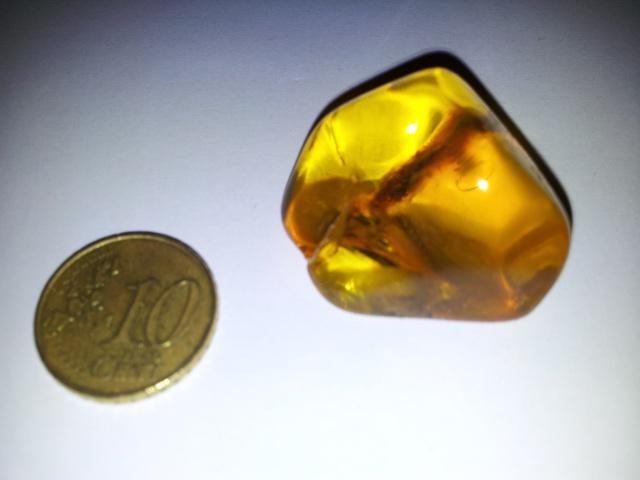 [Partage] Ma petite collection de cristaux. 151772Ambre02