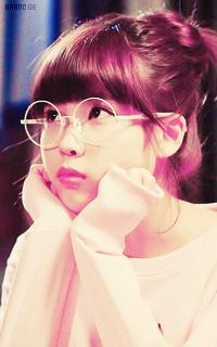 Lee Ji Eun (IU) 15449532AA