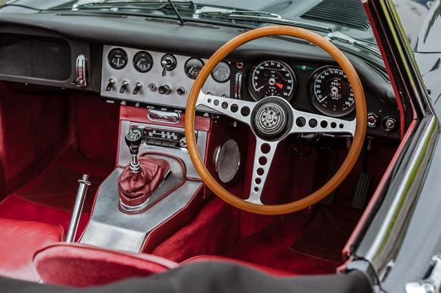 Les Jaguar XF, F-Pace et F-Type célèbrent les 60 ans de la victoire de la Type D aux 12 Heures de Reims Lors De La 22ème Edition De Sport Et Collection 159657IMG4615LowRes