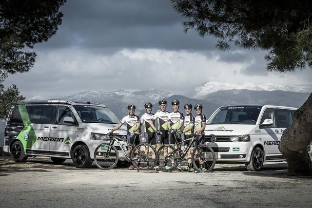 Volkswagen Véhicules Utilitaires soutient les meilleurs athlètes de la coupe du Monde de VTT 160363hdgd194590