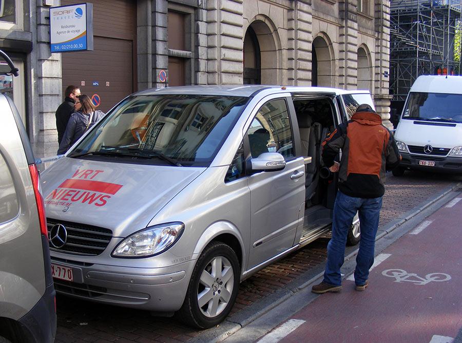 """Bruxelles côté BD  """"Tintin en automobile"""" - Page 3 162974DSCF6110"""