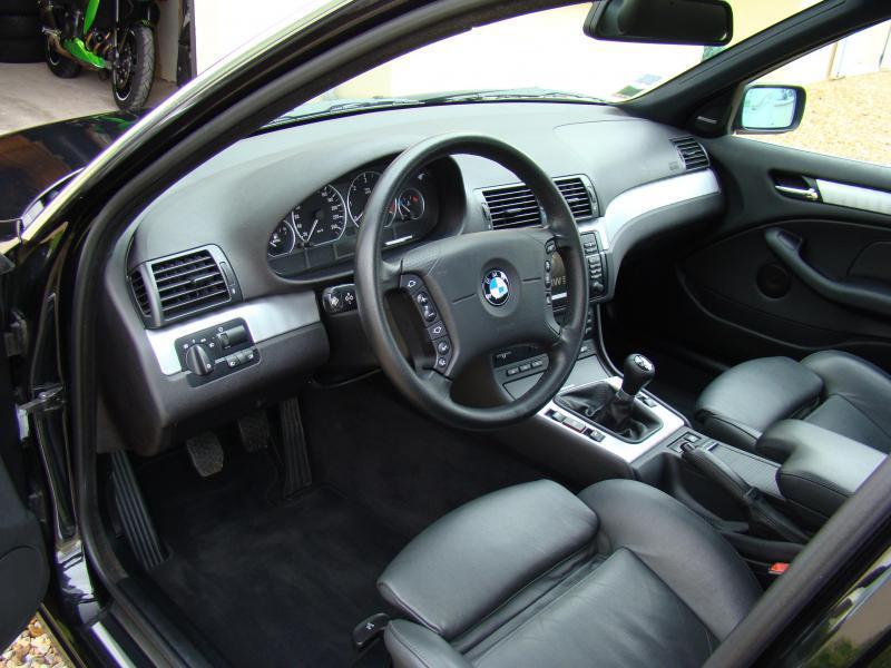 [BMW 330 d E46] Volant 3 branches à la place d'un 4 branches 164876DSC08496