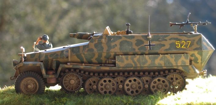 Sd.Kfz 251/9 Ausf.C AFV Club 1/35 164992modles126024