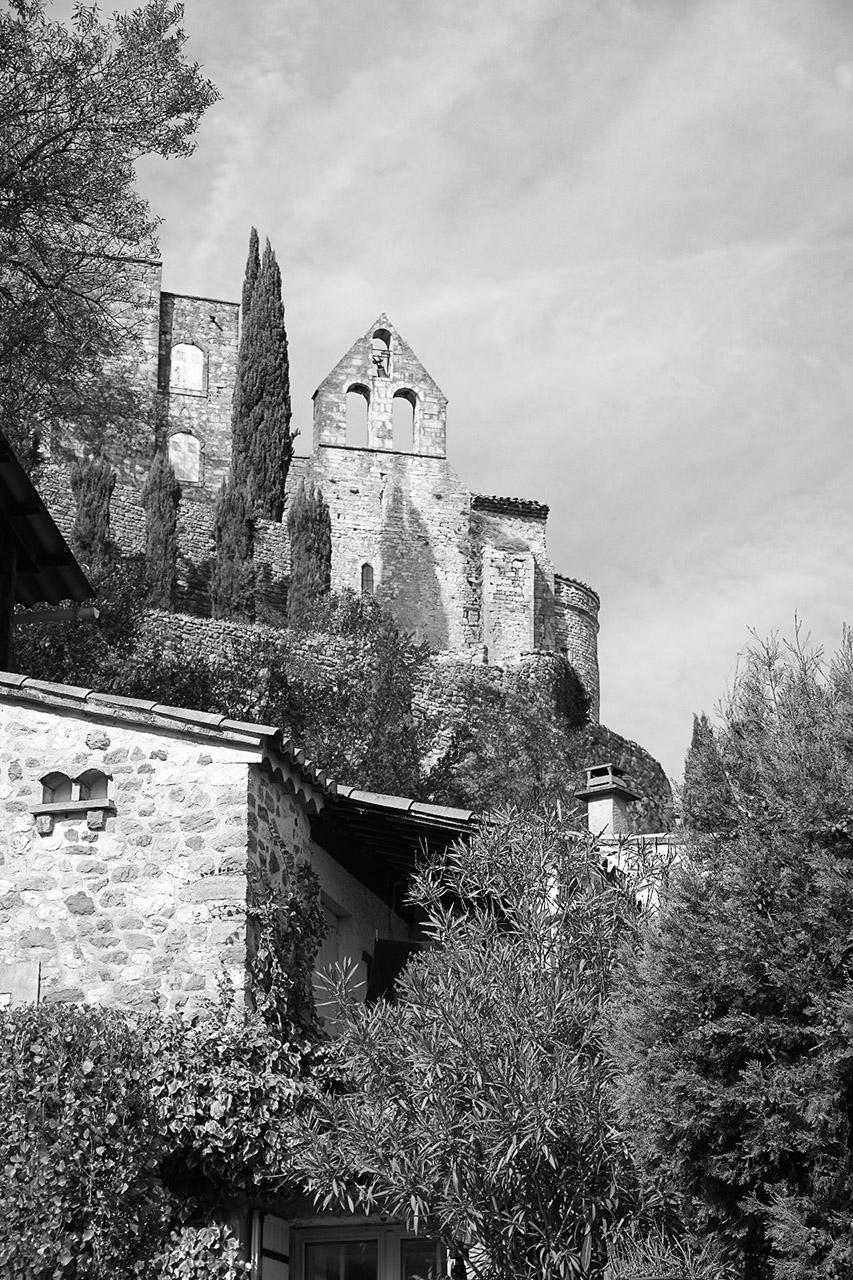 Maison forte de Roussas sud Drome 165530IMGP8764