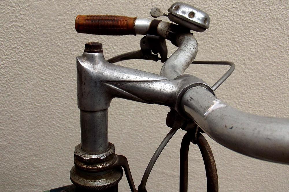 Peugeot années 50, PHR 55? 165695DSCF0388