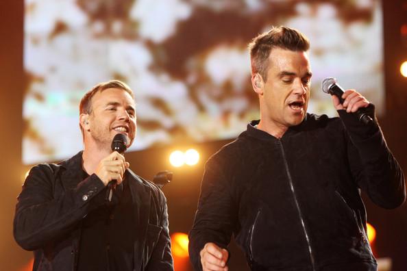 Robbie et Gary au concert Heroes 12-09/2010 165777Gary_Barlow_Heroes_Concert_Show_uERBVd_aGJEl