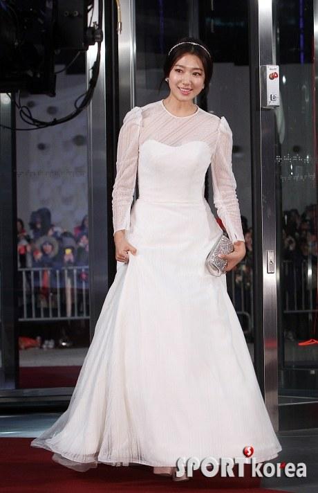 Park Shin Hye au SBS Drama Awards 2013 16774920131231193515623