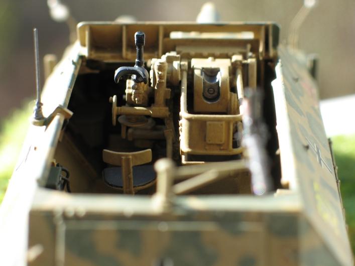 Sd.Kfz 251/9 Ausf.C AFV Club 1/35 168803modles126009