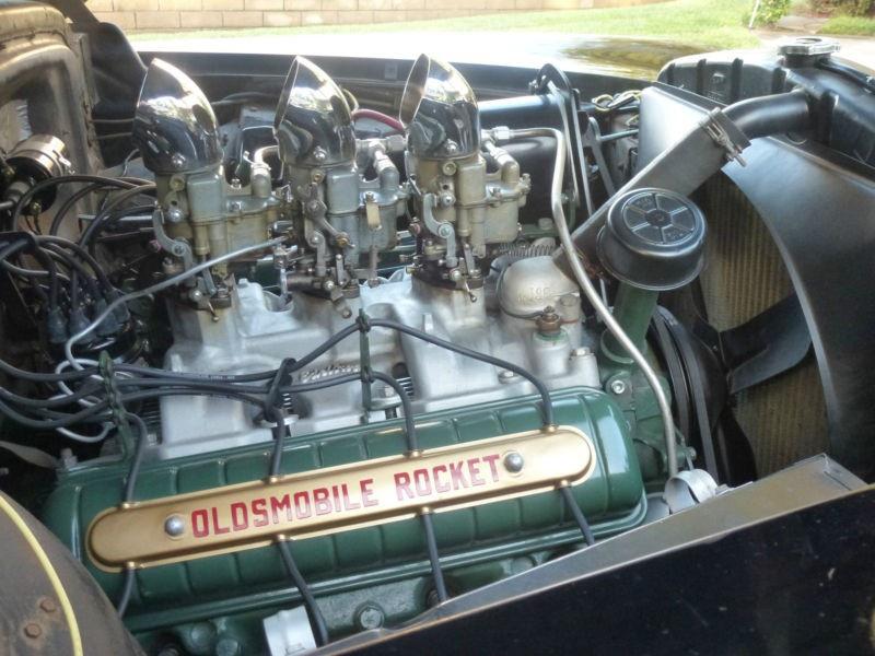 Oldsmobile 1950 - Page 8 171148oldstricarb303