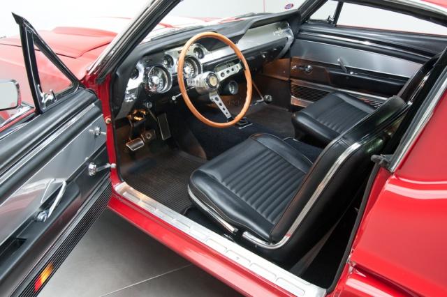 mustang shelby 350 GT 1967  au 1/25 de chez AMT/ERTL  171412interieur12