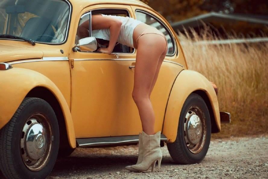 Volkswagen et ses donzelles ... - Page 37 1715061426396736095416418001955567200n