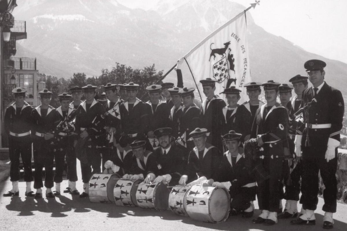 [Musique dans la Marine] Bagad St-Mandrier - Page 3 173859bagad11