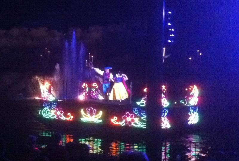 [18-31 octobre 2014] Voyage de noces à Walt Disney World et à Universal - Page 11 178883Fantasmic2