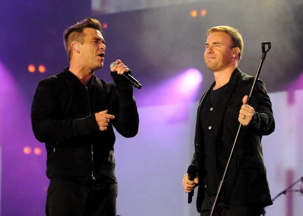Robbie et Gary au concert Heroes 12-09/2010 179231Gary_Barlow_Heroes_Concert_Show_E5vRhv7Rrn2l