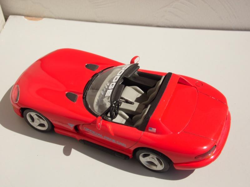 Dodge Viper RT10 et GTS. 181038SAM5014