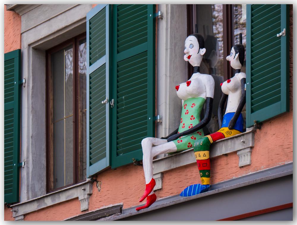 Du monde au balcon... 185276Fenetre