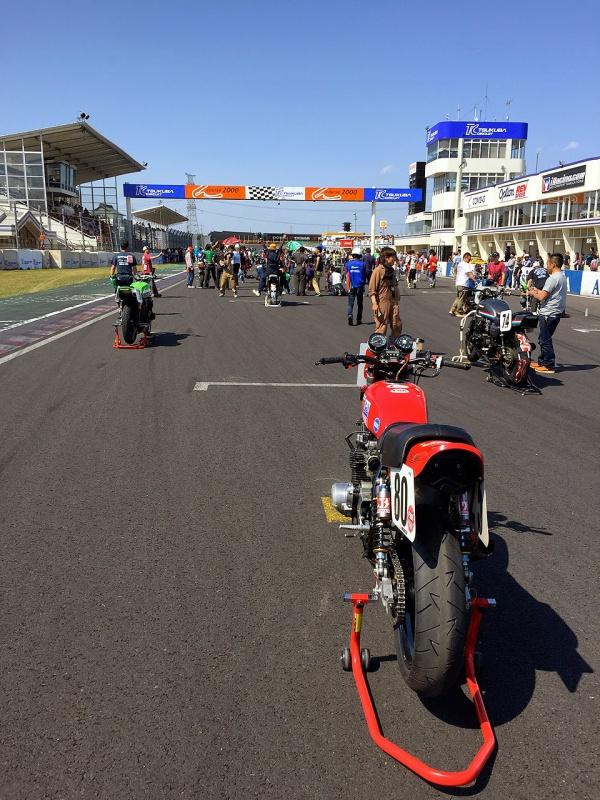 JAPAN RACERS - Page 4 186237KZ1000LTD16