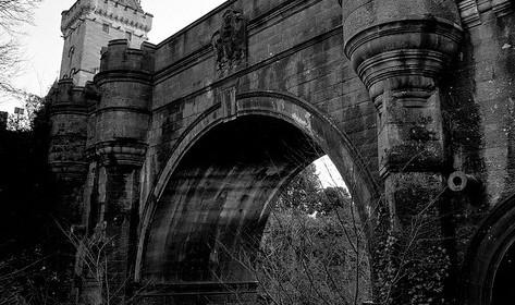 Le mystérieux pont des chiens suicidaires 187760overtounbridgee1348141004428473x280