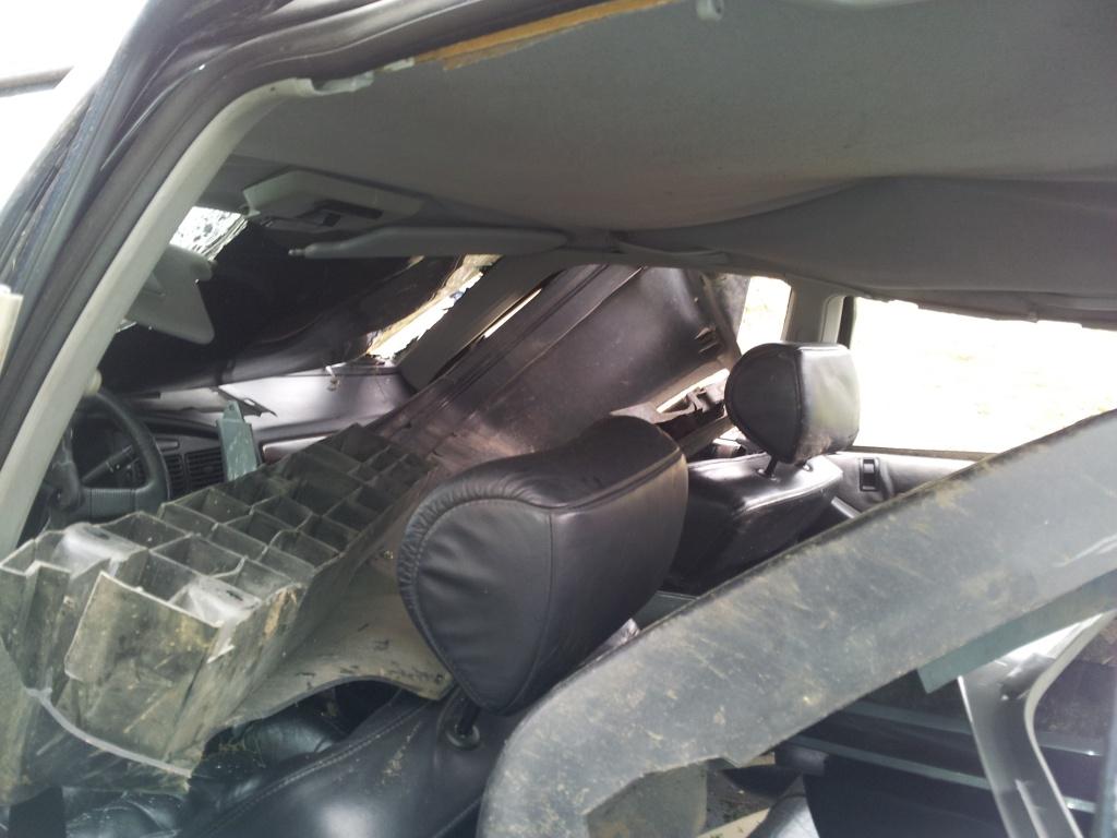 Accident grave avec Peugeot 405 STDT 18944620111012155101