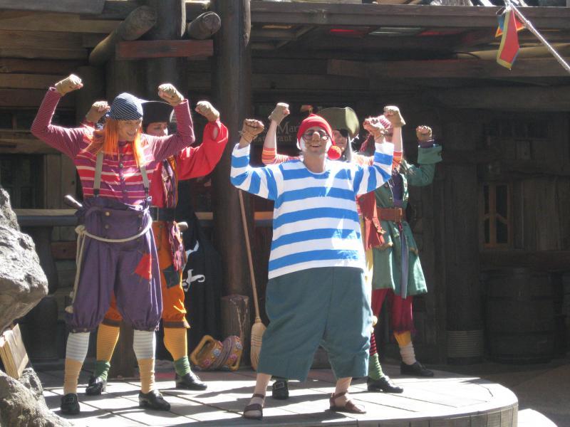 [Disneyland Paris] Séjour de rêve au Disneyland Hotel du 23 au 26 mai 2011 - Page 2 193278IMG3231