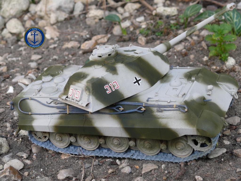 Sd.Kfz. 182 Panzer VI ausf B Tiger II Porsche Turret 196826konigstiger14