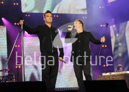 Robbie et Gary au concert Heroes 12-09/2010 20342922295350