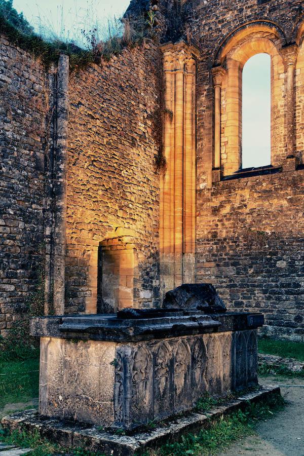 Visite nocturne des ruines d'Orval, samedi 7/9 + les photos. 211831orval54HDR