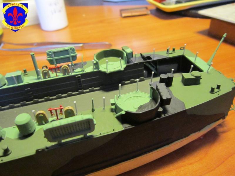 U.S. Navy Landing Ship Médium (Early) au 1/144 de Revell par Pascal 94 - Page 10 214301IMG42771