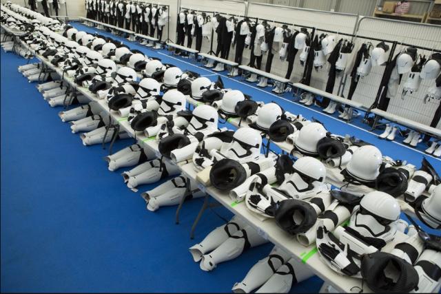 [Lucasfilm] Star Wars : Le Réveil de la Force (2015) - Page 7 219516w33