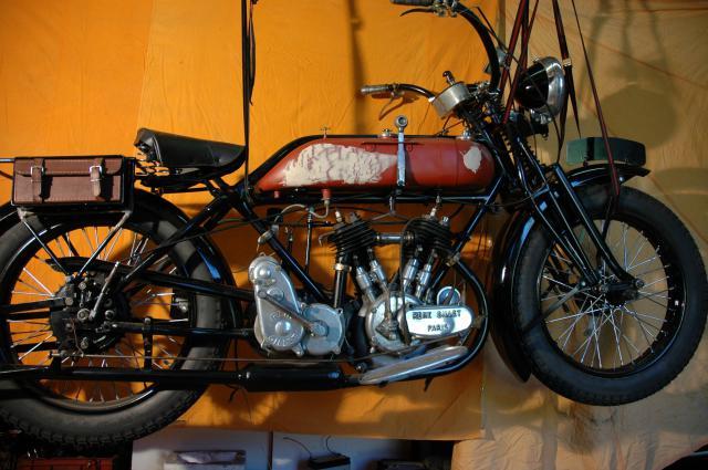 Moto René Gillet 750 type G 1929 - Page 6 221160DSC3489