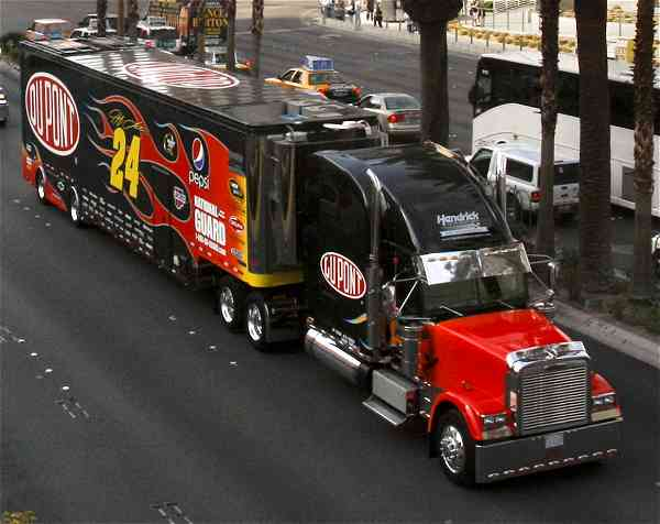 Nascar & Jeff Gordon's tribute 22485324duponthaulervegas2