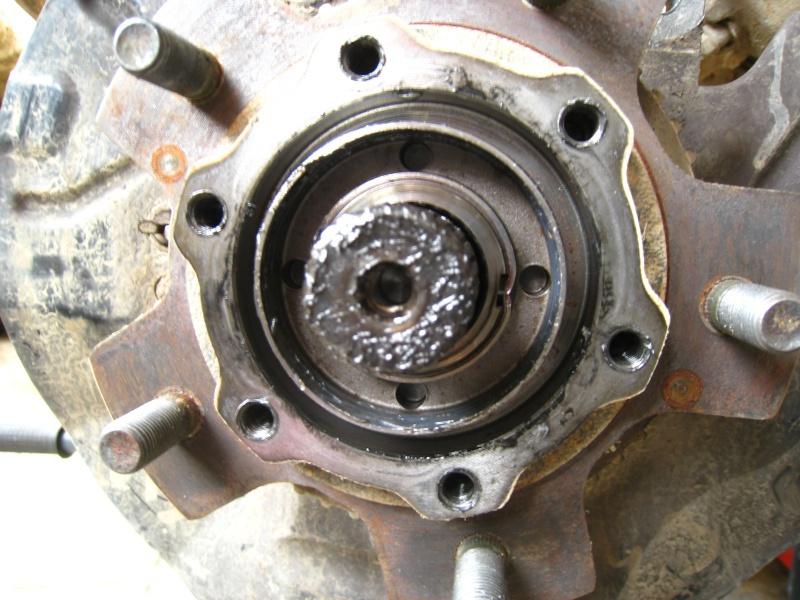 changement roulement de roue avant 225393IMG9462