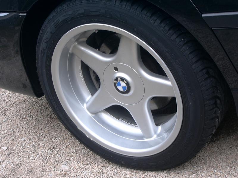 [BMW 530 d E39] Renaissance d'un Cosmos Schwarz Metallic 229616P1000418