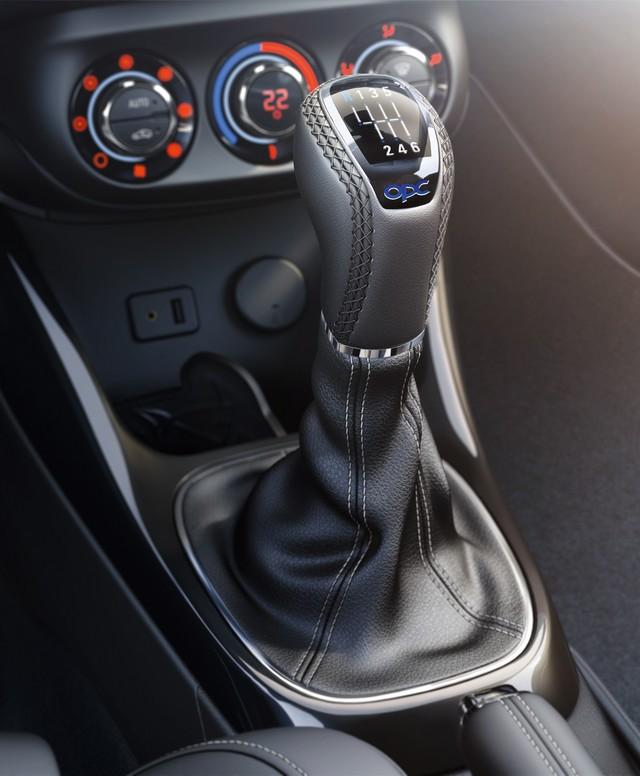 Nouvelle Opel Corsa OPC : gros muscles à prix raisonnable 240801OpelCorsaOPCInterior292991