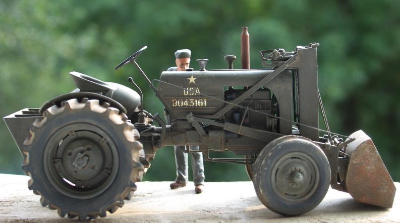 Tracteur CASE VAI avec chargeur 1943  Thunder Model 1/35 241691IMG0095