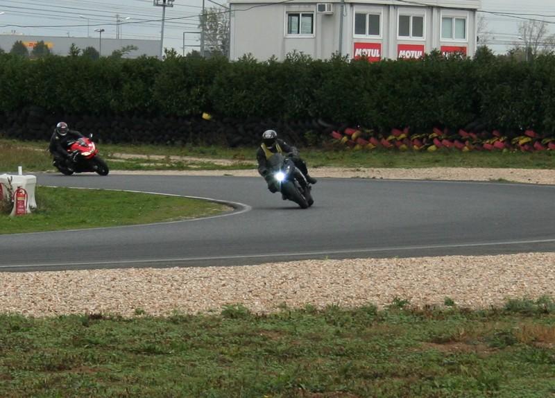 position sur la moto 2474363001