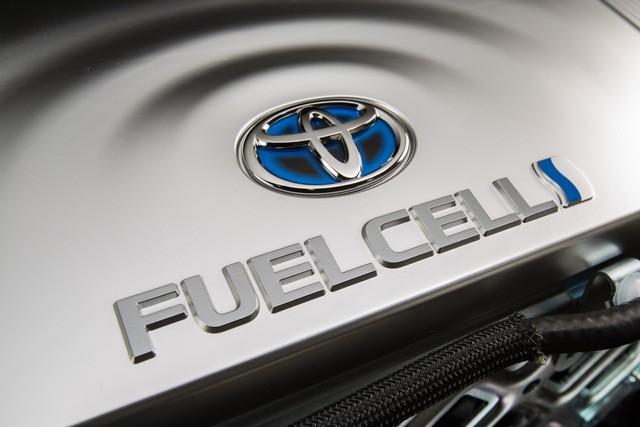"""Toyota se projette dans le futur avec la berline à pile à combustible 'Mirai'"""" 2522102016ToyotaFuelCellVehicle016"""