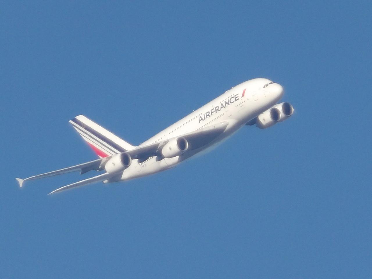 AIRBUS A380 252272A380FHPJG2