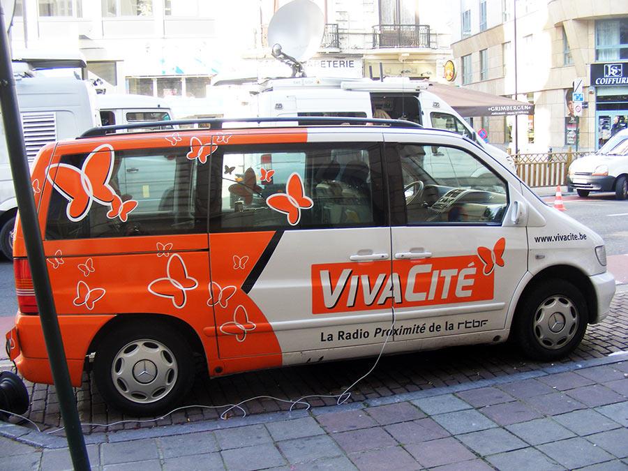 """Bruxelles côté BD  """"Tintin en automobile"""" - Page 3 252396DSCF6100"""