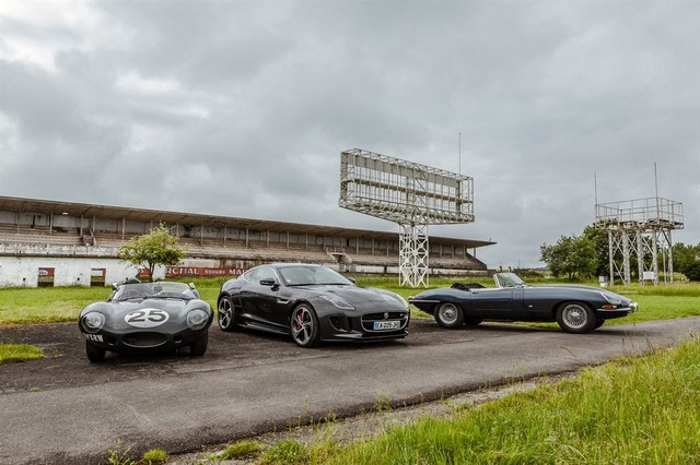 Les Jaguar XF, F-Pace et F-Type célèbrent les 60 ans de la victoire de la Type D aux 12 Heures de Reims Lors De La 22ème Edition De Sport Et Collection 252699IMG4631LowRes