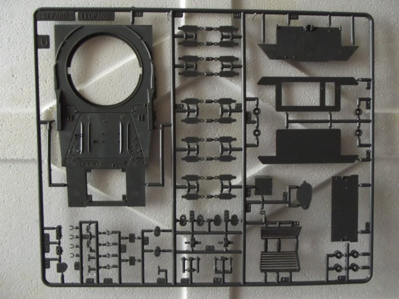 Char LEOPARD A2 - (Réf. 822) 1/35 253237HellerLopardA2822015