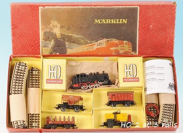 Coffrets Märklin 1936 - 1968 (rouges, noirs, verts ou bleus) 256036MarklincoffretTM8656R