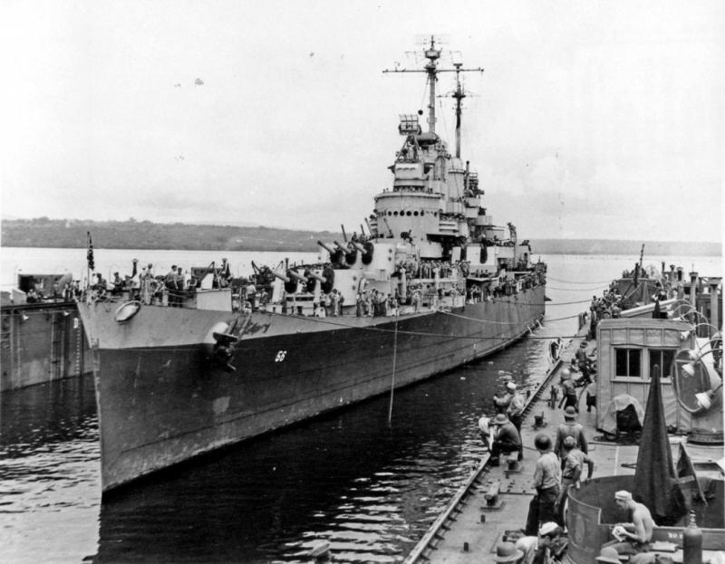 USN CROISEURS LEGERS CLASSE CLEVELAND  262176USSColumbiadockflottantEspirituSanto1944