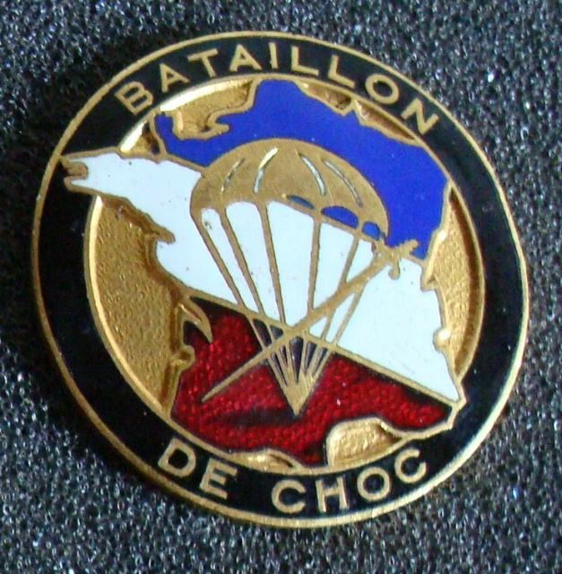 LES INSIGNES DU BATAILLON DE CHOC 1943/1963. 264181AravitetPrez1946
