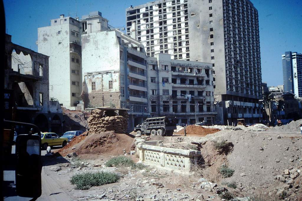 """[Opérations diverses] Beyrouth lors des missions """"Olifan"""" - Page 3 265681PICT0026"""